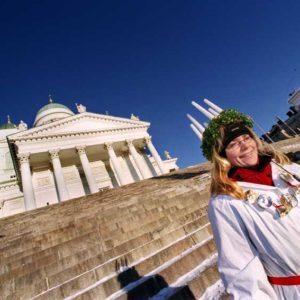 Möhippa vid Senatstorget intill Domkyrkan i Helsingfors, Finland Foto: Kjell Fredriksson