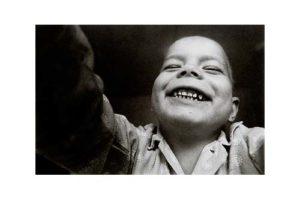 Barn på en cancerklinik i det forna Tjeckoslovakien 1/7, Timglaset barn Foto: Kjell Fredriksson